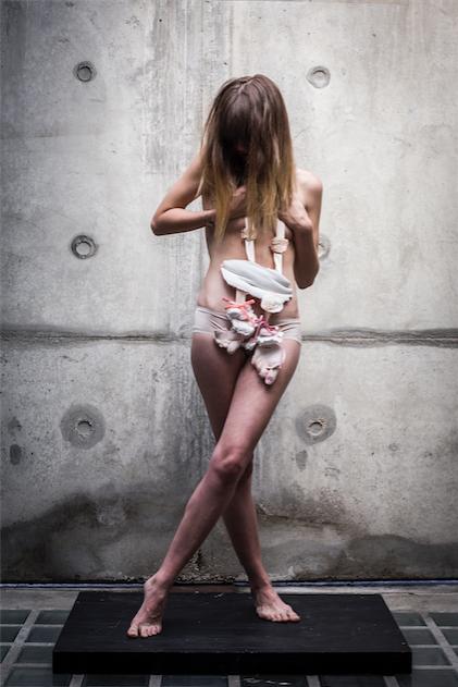 BODY_EDMEE_JONGEN_PHOTOGRAPHY_RUBEN_REEHORST_MODEL_PAULA_PAROLE